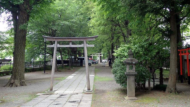 平塚城跡敷地(平塚神社参道)