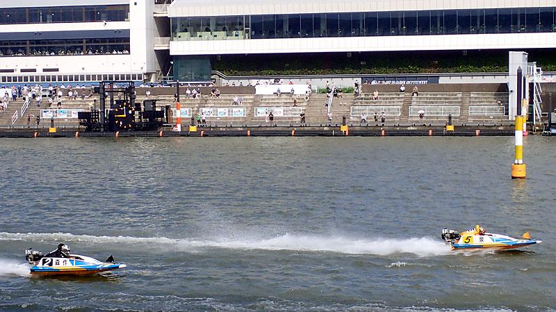 江戸川競艇場対岸から