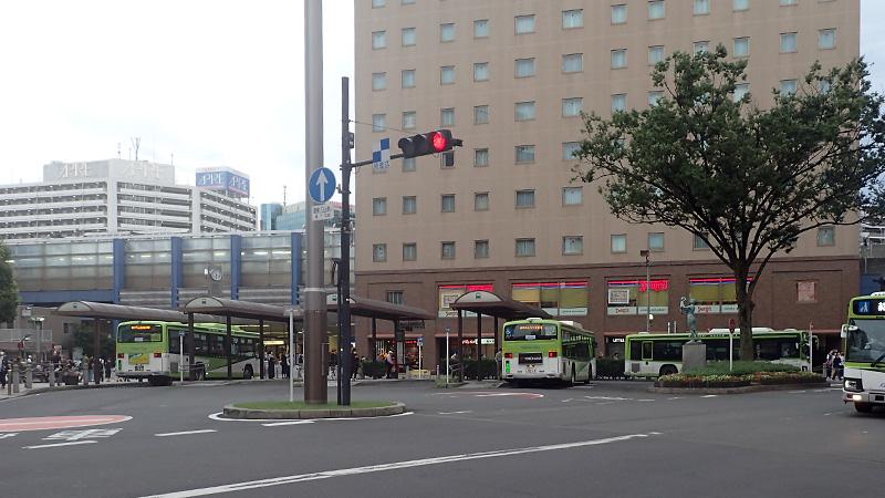 赤羽駅東口とホテルメッツ赤羽
