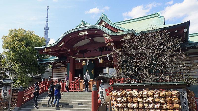 亀戸天神社と東京スカイツリー