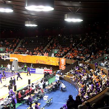 代々木第二体育館ベンチ