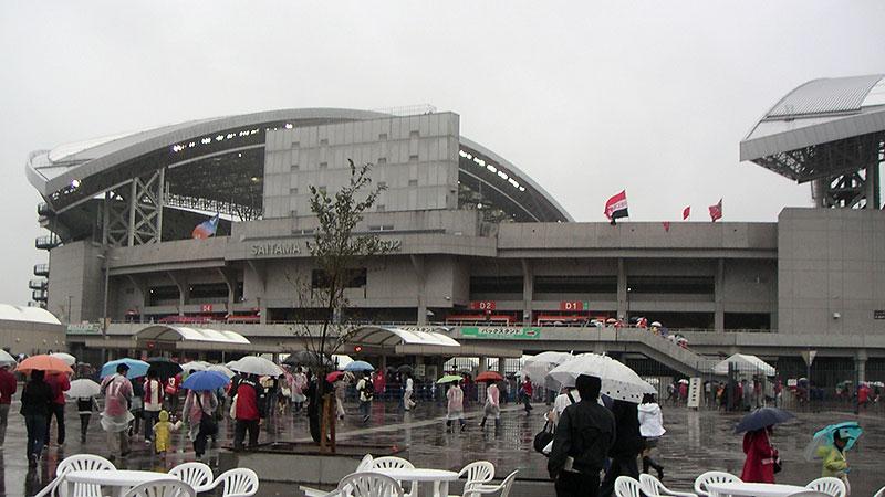 埼玉スタジアム前の広場