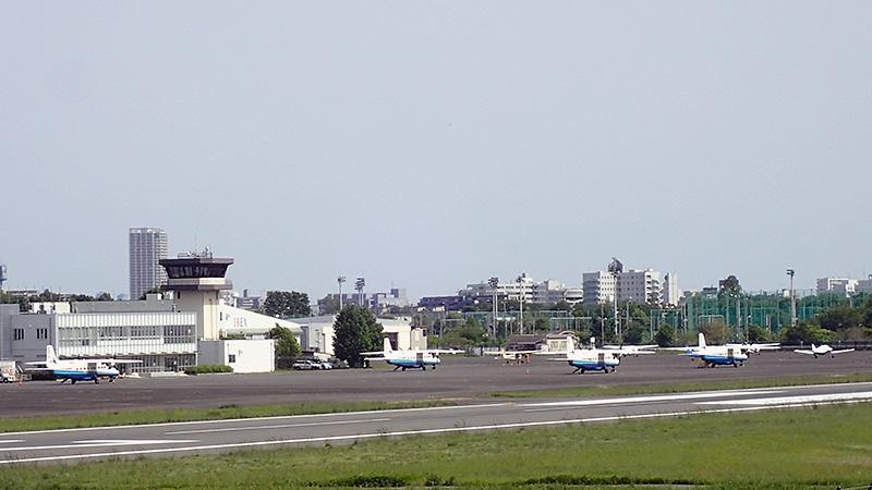 調布飛行場駐機場