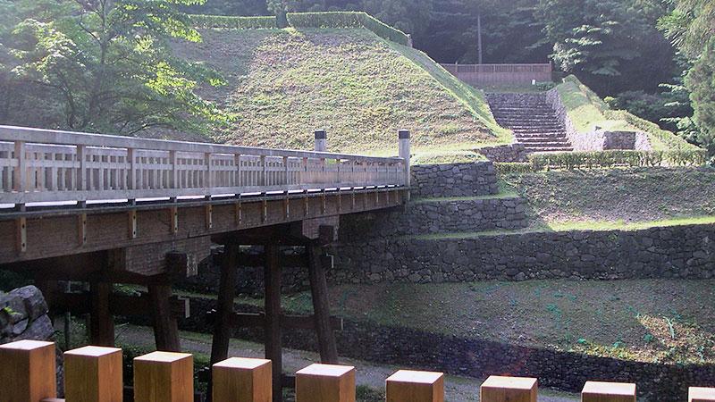 八王子城御主殿跡木橋