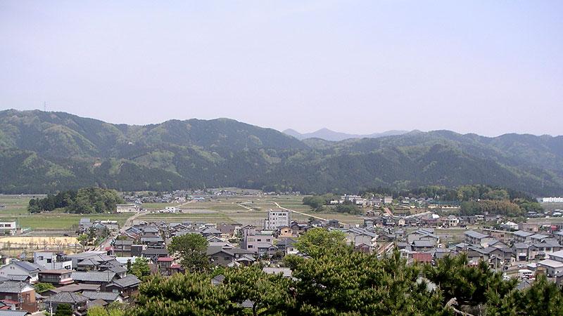 丸岡城天守から眺める城下町