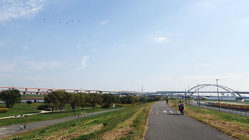 荒川土手江北橋付近