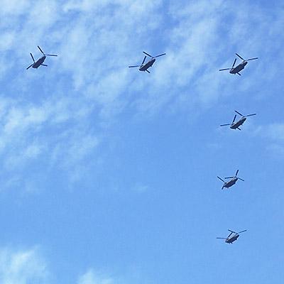 ヘリコプター編隊飛行