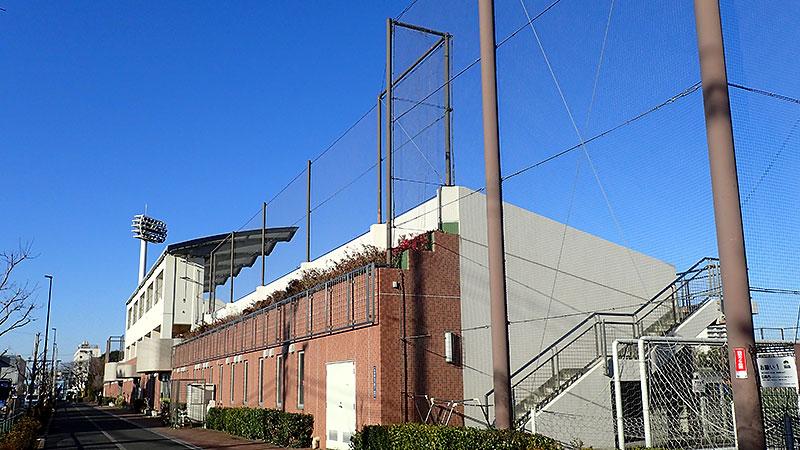 赤羽スポーツの森公園競技場外観